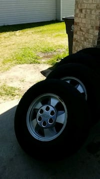 gray 5-spoke car wheel with tire set Temple Hills, 20748