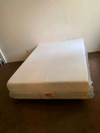Queen size memory foam mattress and box spring Bakersfield, 93309