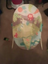 baby's beige, blue, and green bouncer seat Hampton, 23669