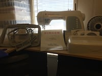 Singer XL 400 embroidery/Sewing machine Temple, 76501