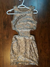 Gold Sequin Dress TOBI. Size 4 Mississauga, L5G 1N8