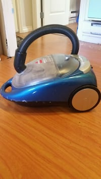 Bissell opticlean vaccum cleaner  North Vancouver, V7R 2A6