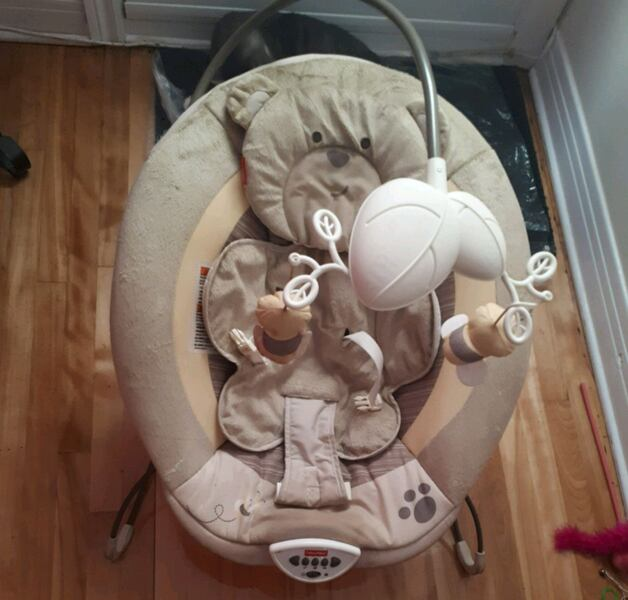 Baby Bouncer - Fisher Price 324c3fdf-0822-4cdd-a270-3d163aecceed