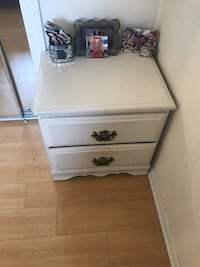 white wooden 2-drawer nightstand Los Angeles, 90066