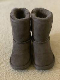 Girls Grey Sheepskin Boots UK Size 11 (US size 12) Falls Church, 22043