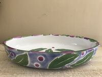"""CUTE OVAL CERAMIC BOWL. 11""""x7"""" and 2"""" deep. Excellent condition. Potomac, 20854"""