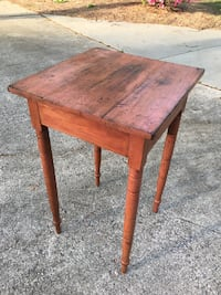 Antique side table Raleigh, 27612