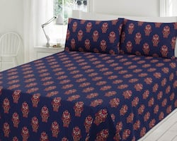 Queen flat sheet with two pillows