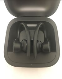 Wireless Dre beats earbuds with charger dock Silver Spring, 20904