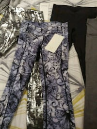 Lululemon yoga pants 550 km