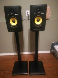 Two Rokit5 KRK monitors & stands Victoria, V8Z 5T3