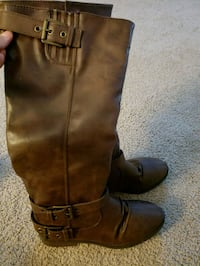 Woman boots size 6 Wilmington, 19808