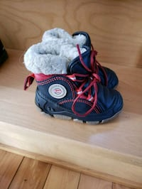 pair of blue-and-red hiking sandals Mirabel, J7J 0B3