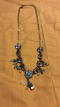 silver-colored and blue beaded necklace Toronto, M1E 3T7