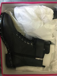 Vince Camuto Leather Boots Toronto, M2R 3R9