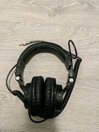 black and gray corded headphones Toronto, M5J 2Z2