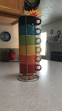 Pier one stackable mugs with silver metal rack Kuna, 83634