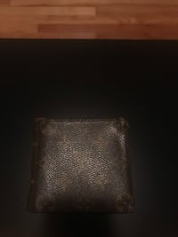 Louis Vuitton brown leather wallet /Portefeuille Vintage LV Montréal, H2P 2B1