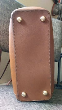 brown leather bi-fold wallet El Paso, 79924