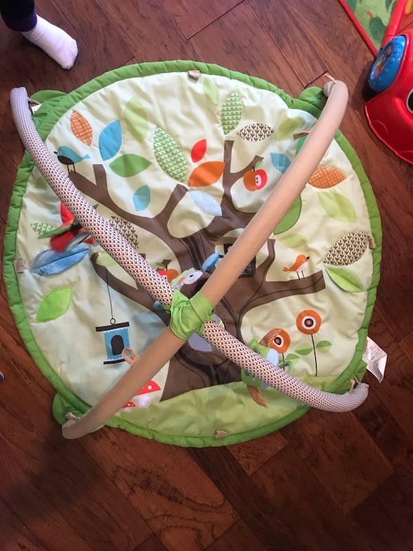 Skip hop activity and tummy time mat