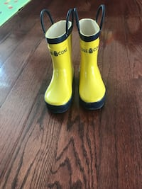 Toddler rain boots size 5 Dale City