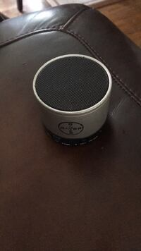round black and gray portable speaker Canton, 44721