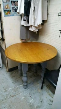 Solid wood Table Albuquerque, 87106