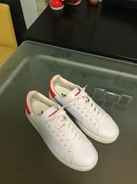 NEW ADIDAS STAN SMITH - SIZE :8 1/2 . Toronto, M6M 2B5