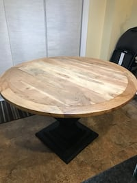 Solid wood dining table Kleinburg, L4H 3Z8