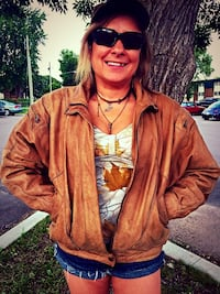 Woman's Leather Jacket Size Medium St. Cloud, 56303