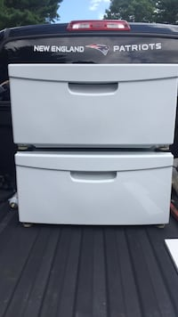 Two laundry pedestals for Samsung washer and dryer Londonderry, 03053