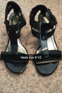 black open toe flat sandals Prince George, V2M 4P3