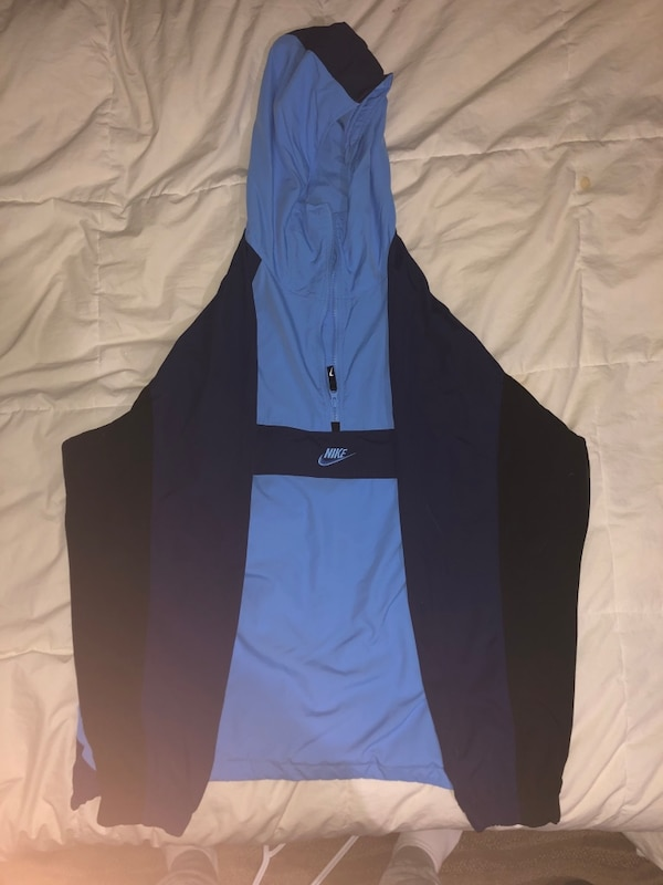 Nike windbreaker jacket Size XL 0