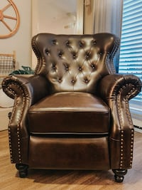 Faux brown leather reclining chair 523 mi