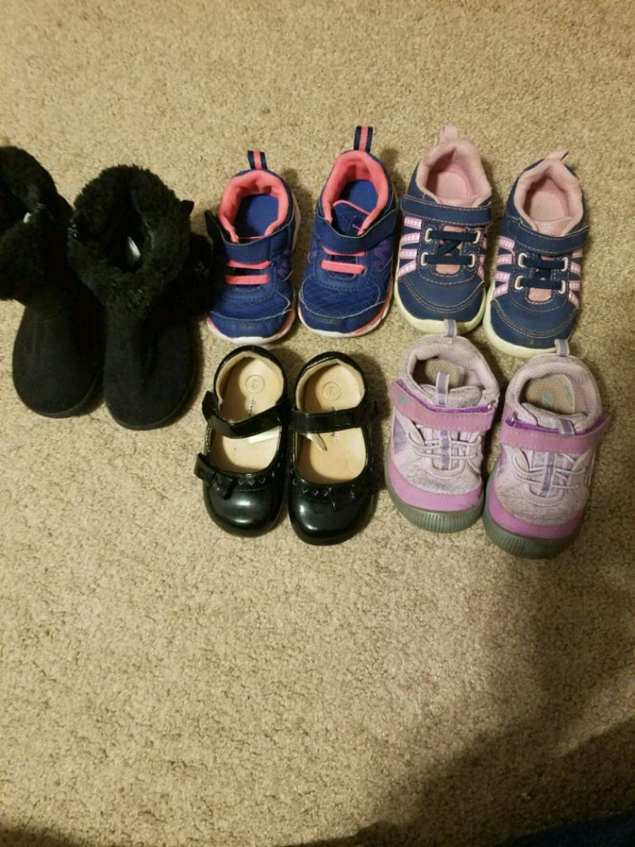 Photo Toddler girl shoes and boots size 5
