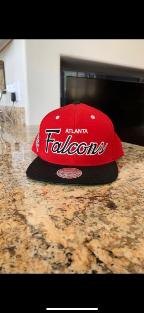 sale retailer 94f02 96e15 Brand new never worn Mitchell and Ness Atlanta Falcons SnapBack hat