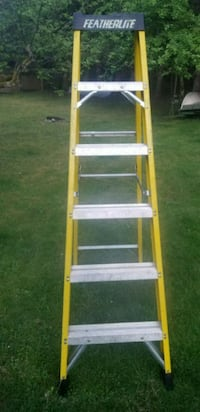 6 ft fiberglass step ladder Parksville, V9P 1L1