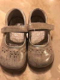 pair of gray leather mary jane shoes Santa Rosa, 95407