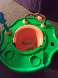 orange and green booster seat with tray El Mirage, 85335