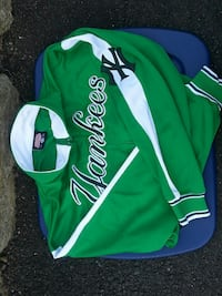 green and white New York Yankees sweatshirt Rockaway, 07866