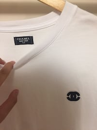 Chanel uniform tee white and black Pickering, L1V