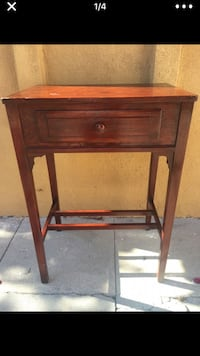 Cherry wood console end table  Los Angeles, 90019