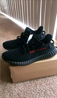 pair of black Adidas Yeezy Boost 350 V2 with box Miami, 33126