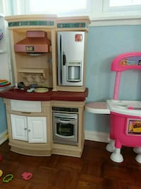 white, pink, and gray kitchen playset Alexandria, 22312