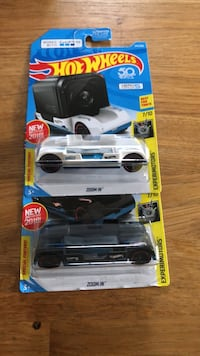 Hot wheels heroes five session brand new one white one black  Collingswood, 08107