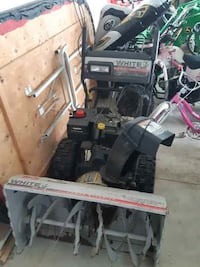 Snow blower good condition. West Lincoln, L0R