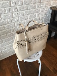 New Large tan purse never used  Glen Burnie, 21061