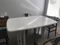 Extendable White Dining Table Laval, H7W 5H9