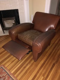 Brown leather lazy boy chair Washington, 20009