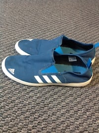 Adidas shoes 10  Surrey, V3R 5V7